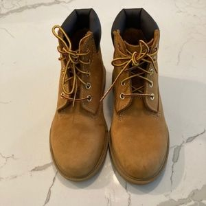 NEW Classic Timberlands Kids Boots - Size 2